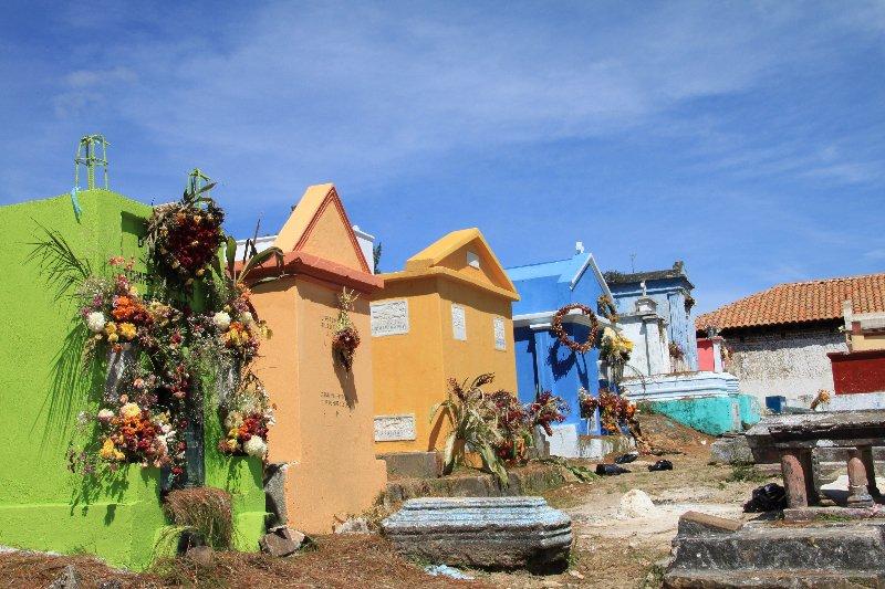 0133-chichicastenango-cimetiere-jpg