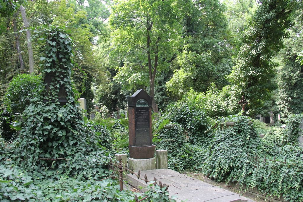 0187-Prague-cimetière-Olšany