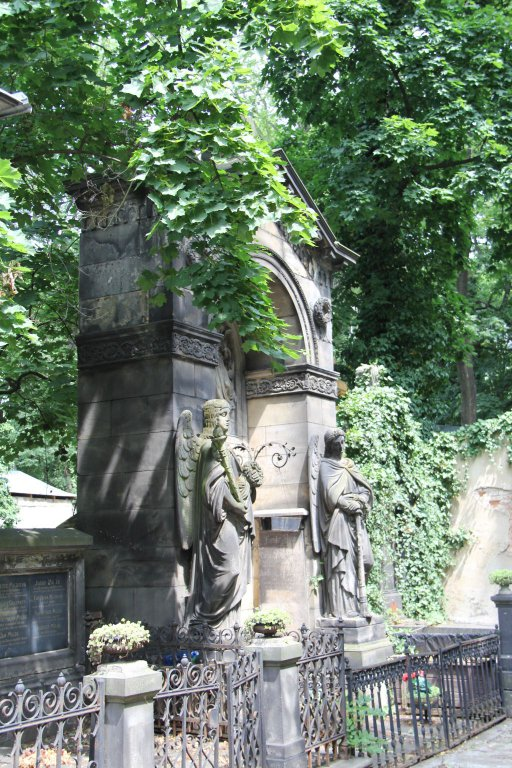 0192-Prague-cimetière-Olšany
