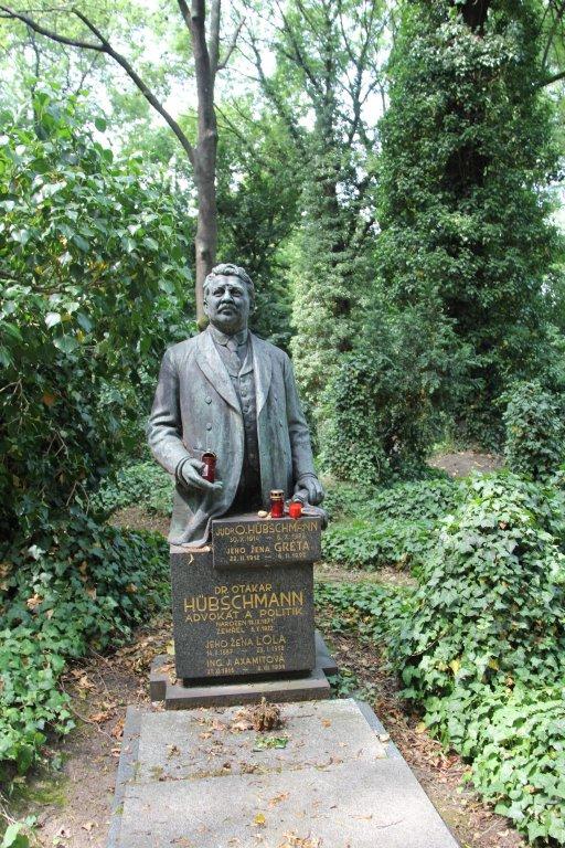 0197-Prague-cimetière-Olšany