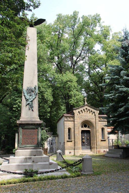 0198-Prague-cimetière-Olšany