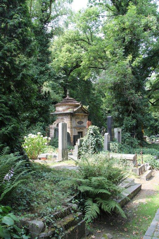 0199-Prague-cimetière-Olšany