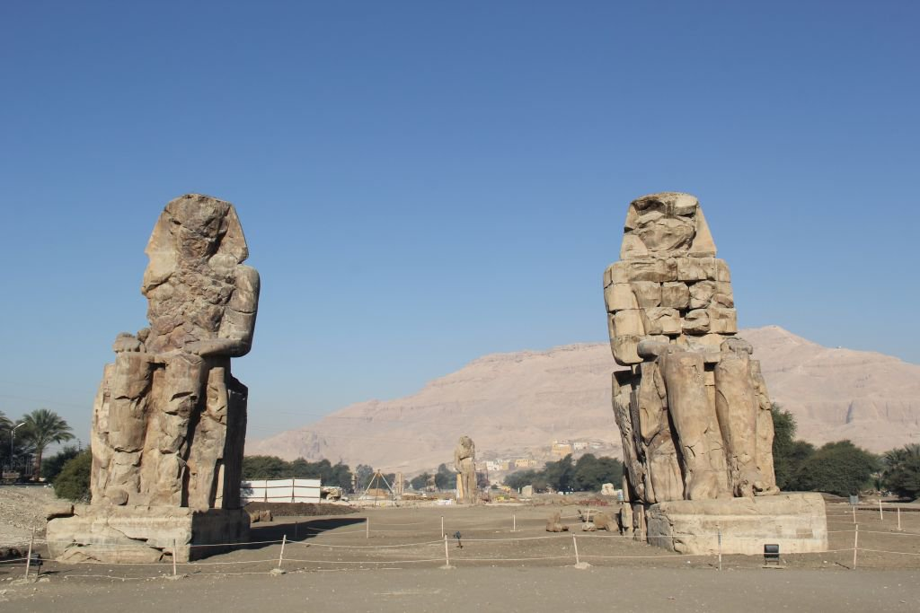 0143-Colosses-Memnon