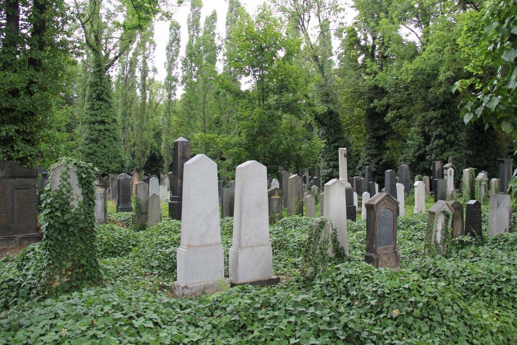 0201-Prague-cimetière-Olšany