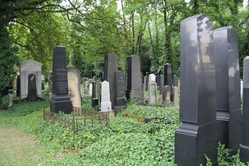 0202-Prague-cimetière-Olšany