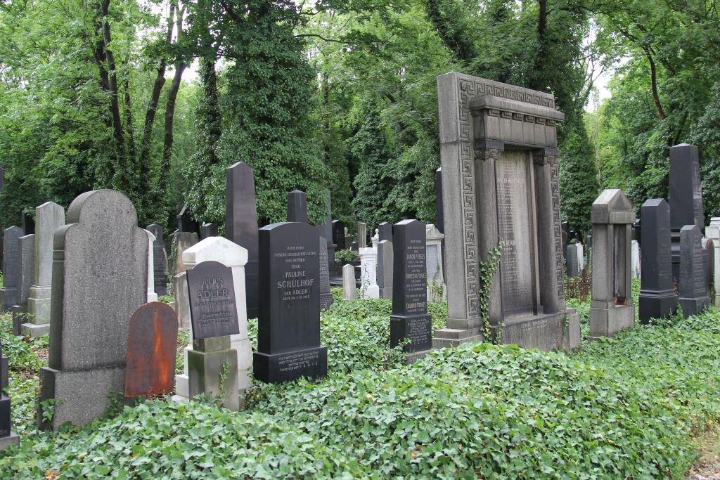0204-Prague-cimetière-Olšany