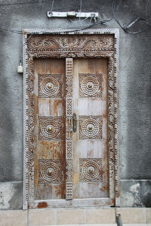 149-Stone-Town-les-fameuses-portes.JPG