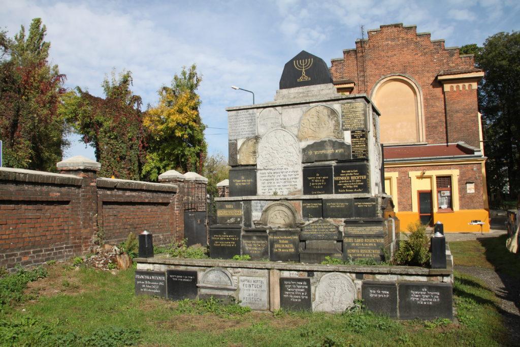 L'entrée du cimetière nouveau juif de Kazimierz