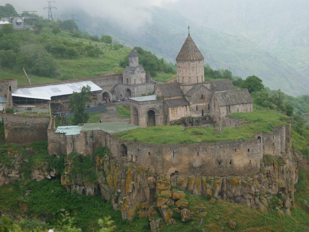 Monastère de Tatev, un jour de pluie